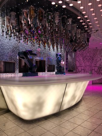 Harmony of the Seas: Bionic Bar