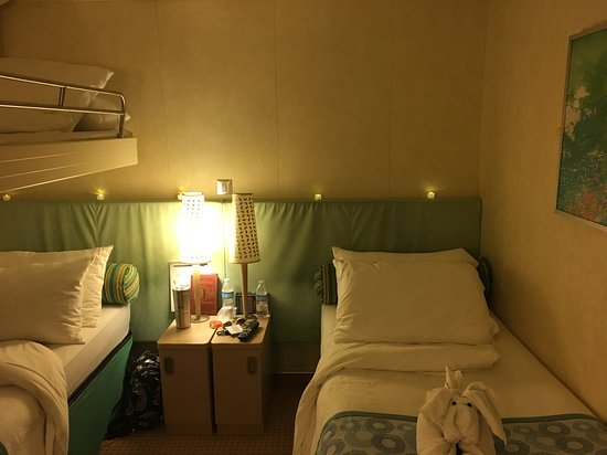 Carnival Breeze: Our interior spa room. We added the led tea lights for ourselves. The colro