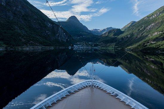 Viking Sea: Geiranger cruising