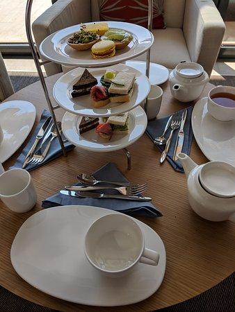 Viking Orion: Tea service in the Wintergarden