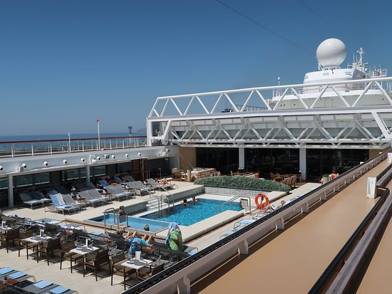 Viking Orion: Beautiful pool facilities!