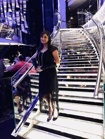 MSC Seaside: Atrium staircase on Gatsby night