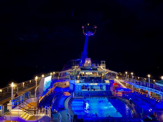 Quantum of the Seas: Ship after sunset.