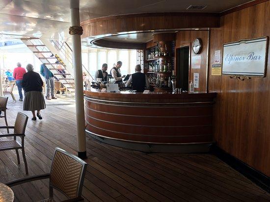 Astoria: Outside deck bar