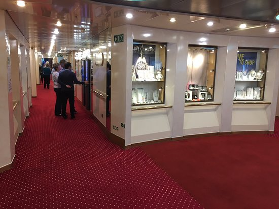 Astoria: Shops