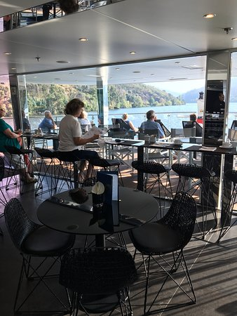 Emerald Radiance: The front area of the bar...for light breaky and arvo tea... and the best view out to the front.