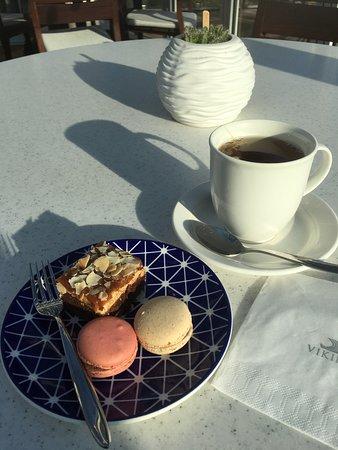 Viking Kadlin: Afternoon tea.