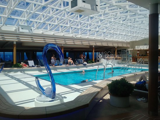 Majestic Princess: Hollywood Pool (Adults Only)