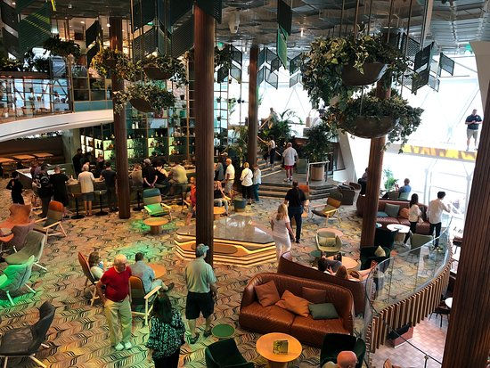 Celebrity Edge: Eden bar and restaurant and lounge