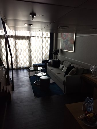 Symphony of the Seas: Crown Loft Suite 1716