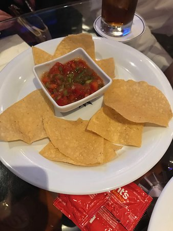 MSC Divina: This is how many chips I was served in the Sports Bar. Many times. Same chi