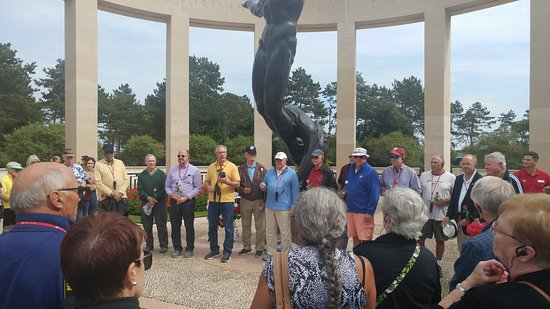 Viking Kadlin: We recognized the veterans among our group at the US cemetery.
