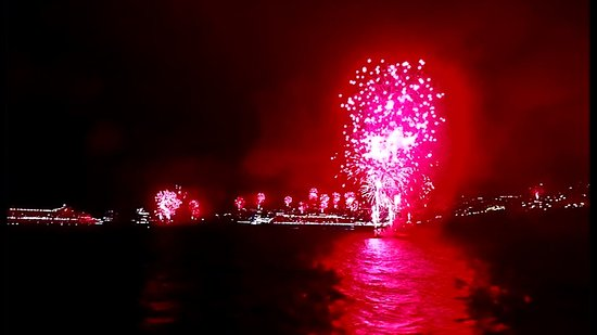 Columbus: Fireworks on New Year's Eve in Madeira