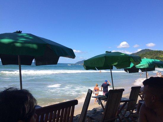 Baia de Castelhanos Beach: Vista da área perigosa para banhistas - Área dos primeiros quiosques.