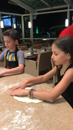 Celebrity Reflection: Pizza Making at The Lawn Club Grill!