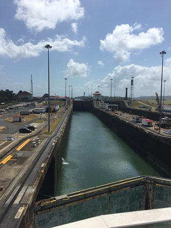 Stella: Panama Canal locks