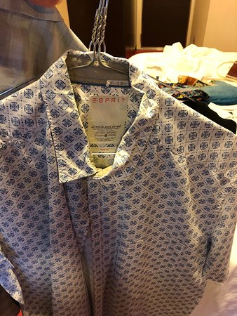 MSC Divina: Laundry Service - requested clean, press and fold - came back crumpled on a