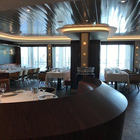 Norwegian Bliss: Ocean Blue Restaurant