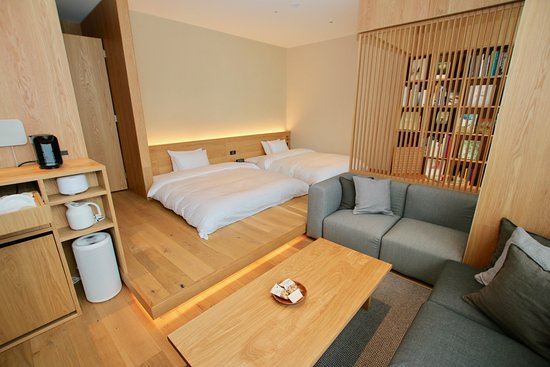 Review Cozy minimalist Japanese interior design , MUJI