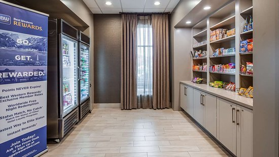 Best Western Premier Energy Corridor: Sweets and Beverage Shop