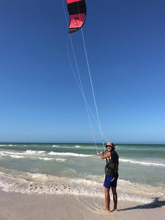 Kitesurfing lessons in El Cuyo with Extreme Contro Adventures https://extremecontrol.net/kiteboarding/lessons/