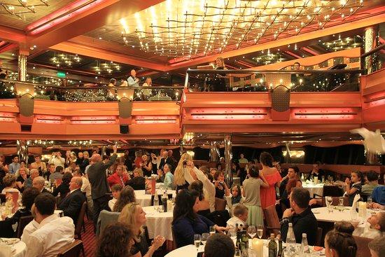 Costa Pacifica: Gala Diner