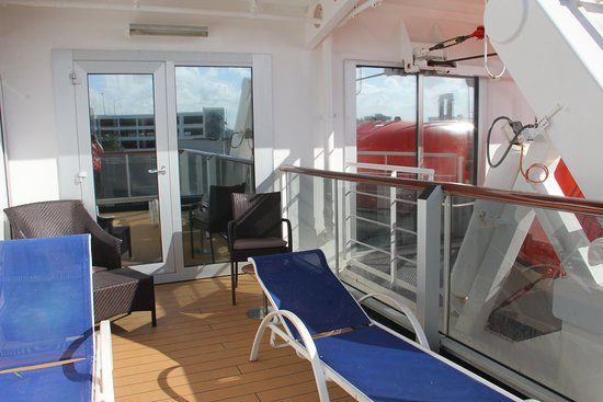 Eurodam: super long veranda of VA cabin 4054