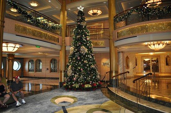 Disney Fantasy: Holiday Decorations