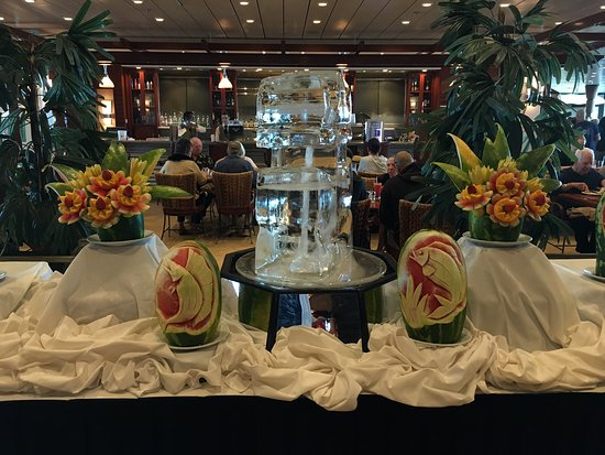 Independence of the Seas: Carved watermelons and ice sculpture, leading into the Windjammer