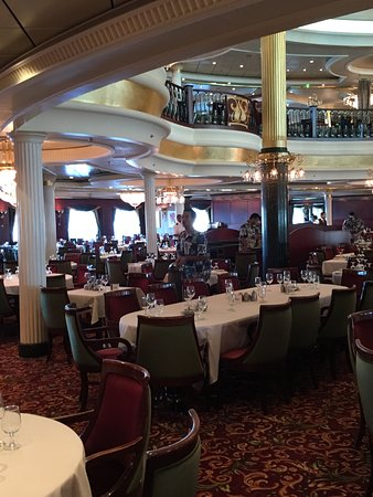 Independence of the Seas: Beautiful Romeo and Juillett dining room.