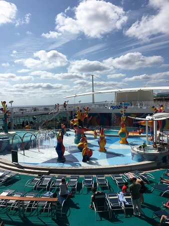 Independence of the Seas: Splash park