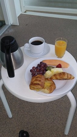 Independence of the Seas: Room service on our balcony