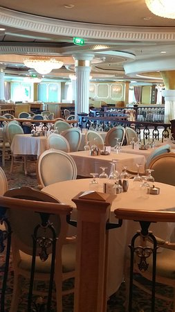 Independence of the Seas: Shot inside main dining room