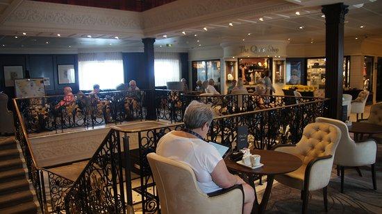 Azamara Quest: Deck 5 - Mosaic cafe