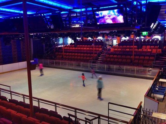 Liberty of the Seas: Ice Skating