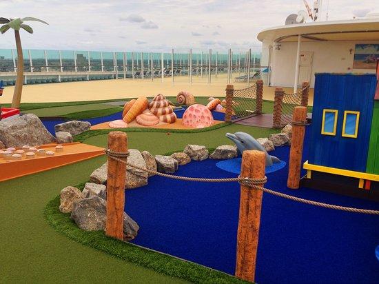 Liberty of the Seas: Mini Golf