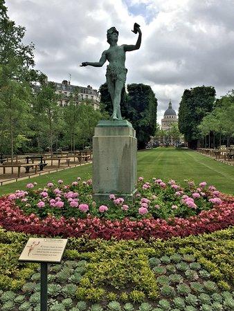 Avalon Creativity: Luxembourg Gardens. Paris