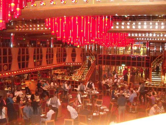 Carnival Dream: Scarlett dining room th Best!!! Great staff!!
