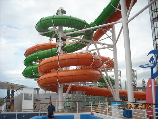 Liberty of the Seas: water slide, all enclosed