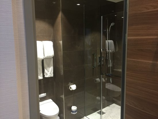 Oasis of the Seas: Front bath with shower and closets.