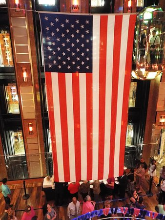 Carnival Dream: Veteran's Day after the appreciation event in the theater. They were se