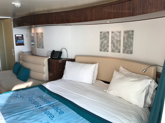 Norwegian Epic: Picture of the room on how small they are