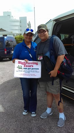 Carnival Dream: Tessa, operator of a sightseeing tour in Grand Cayman