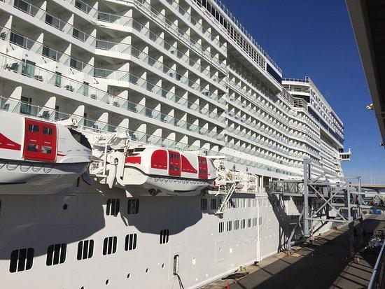Norwegian Epic: Embarkation in Barcelona