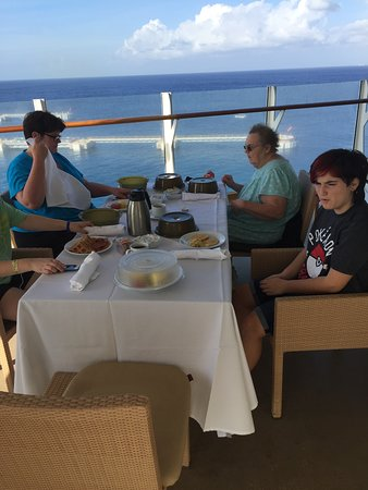 Oasis of the Seas: Breakfast on our balcony.