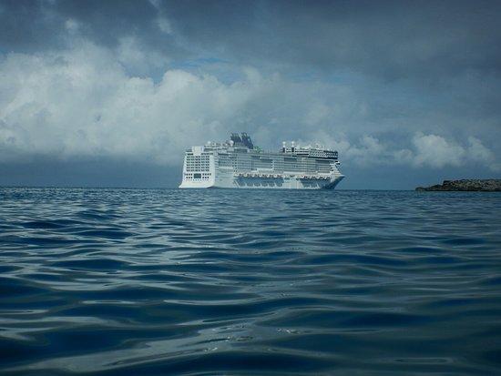 Norwegian Epic: Great stirrup Cay, private island