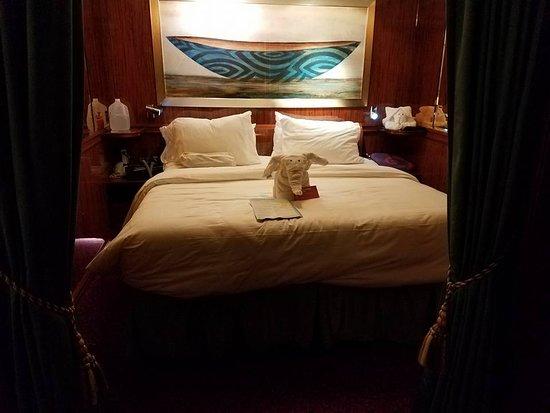 Norwegian Jade: Master bedroom
