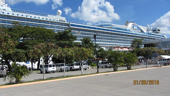 Ruby Princess: Beautiful Ruby Princes shore side in Mexico