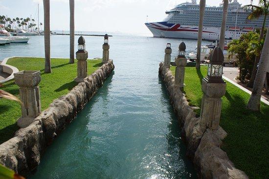 Carnival Dream: Ship in the port