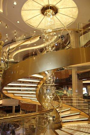 Royal Princess: Atrium Staircase